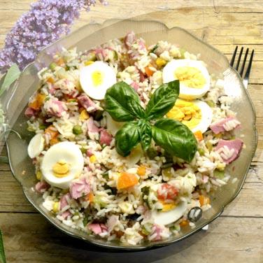 Reissalat mit der risopiù-mischung aus 16 gemüsesorten in öl