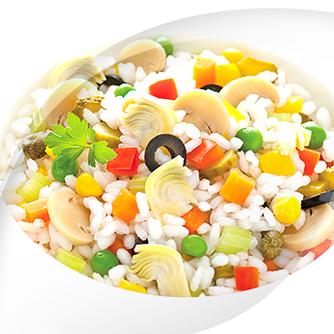 Salat mit leichter risopiù-mischung aus 16 gemüsesorten