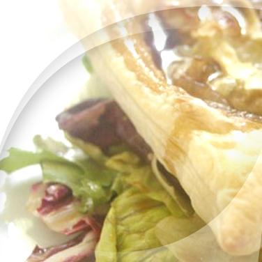Torte mit borettane-zwiebeln